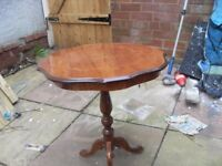 NICE HALLWAY / SIDE TABLE IN VERY GOOD CONDITION CAN DELIVER