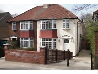A spacious 3 double bedroom flat for Rent in North West London / Cricklewood for £438 per week