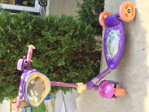 Tinkerbell 3 wheel scooter
