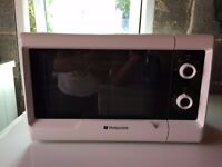 **BARGAIN** HOTPOINT MICROWAVE,EXCELLENT CONDITION, £30 (ONO)