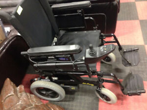 INVACARE NUTRON R51 POWER WHEELCHAIR & POWER SUPPLY