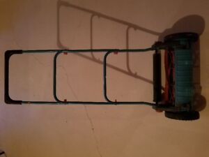 Hand lawnmower