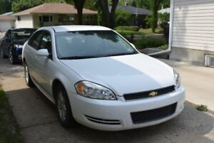 2010 Chevrolet Impala LT Sedan - rare low mileage