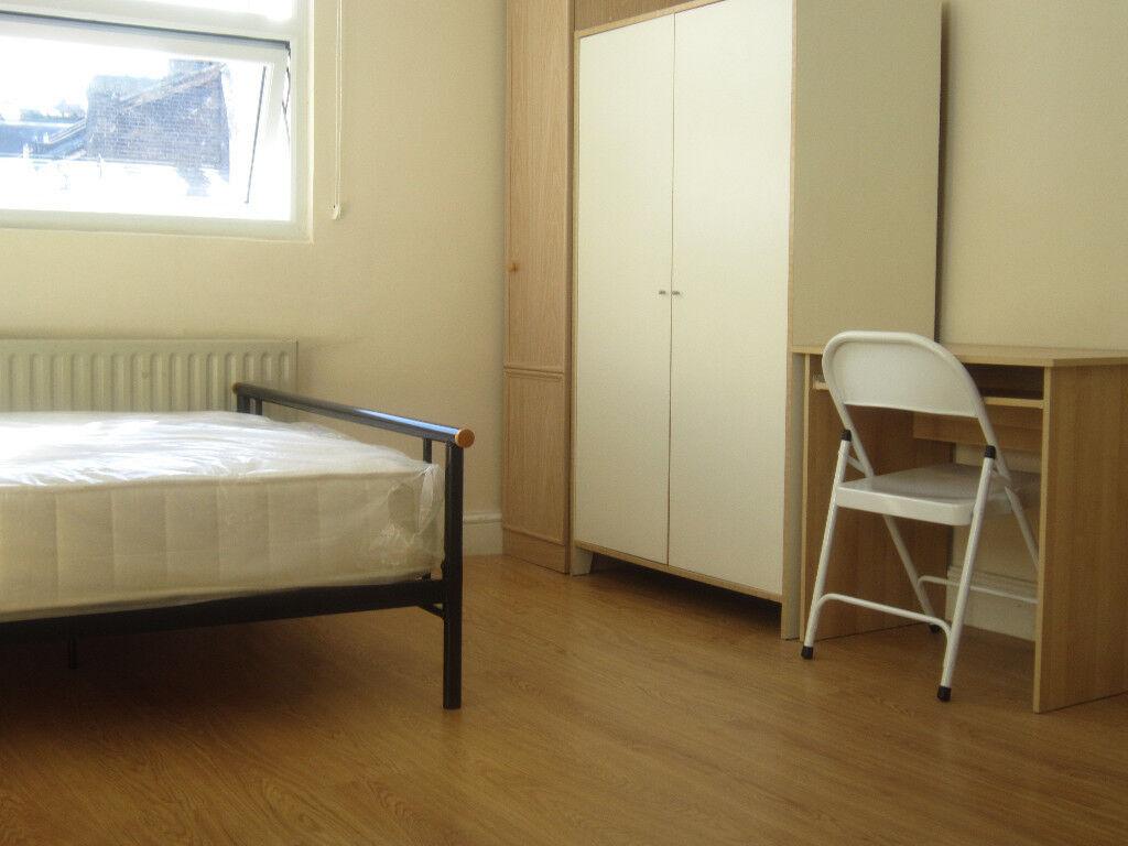 £210 / w Double studio flat on Hammersmith