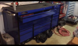SNAP ON TOOL CHEST AND TOOLS