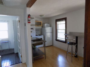 Great 1 Bedroom close to downtown