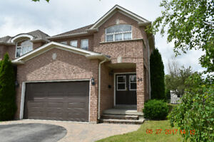 Beautiful 3+1 bdr house in Richmond Hill, Oak Ridges Lake Wilcox