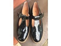 Female Office shoes size 6