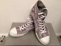 Converse Chuck Taylor Hi-tops Size 10 Eur 44 brown with Converse logo design