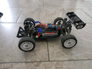Losi mini 8ight for trade --MAKE AN OFFER--