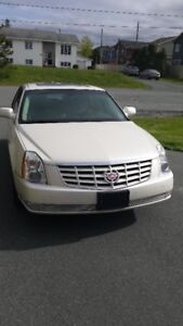 2011 Cadillac DTS Luxury 3 Sedan