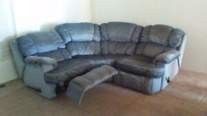 COUCH WITH TWO RECLINERS