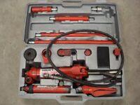 Clarke Strong Arm 4 Ton Hydraulic Body Repair Tool Set. Good Condition. Bargain