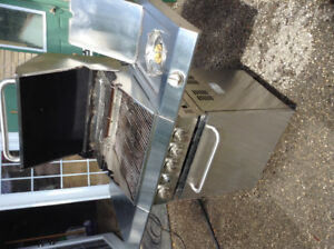 Stainless steal propane grill