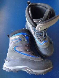 Baffin Boots size 8