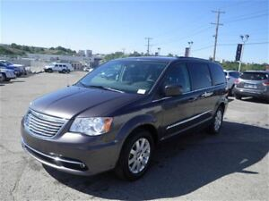 2015 Chrysler Town & Country Touring | Backup Cam | Power Seats