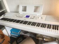 Yamaha DGX650 Digital Piano (White) - excellent condition
