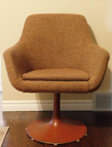 Vintage Retro Desk and Chair with Round Metal Base from 1970's