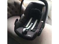 Maxi Cosi 'Pebble' Car Seat