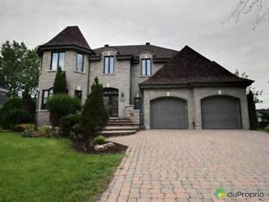 699 000$ - Maison 2 étages à vendre à Vaudreuil-Sur-Le-Lac