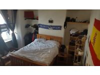 Double room to rent in kemptown. Fully furnished. Available for couples .
