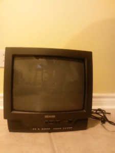 Selling 12 inch tube tv