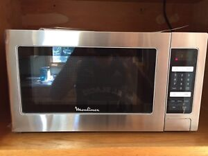 Microwave Stainless 1.1 cu.ft.