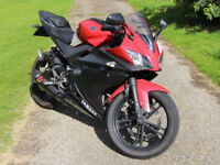Yamaha YZF R125 - Red - Lots of extras