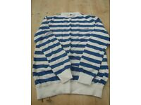 WRANGLER BLUE AND WHITE STRIPE TOP SIZE L VERY GOOD CONDITION