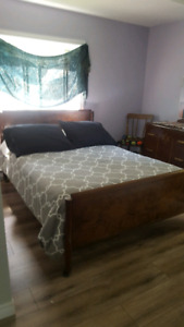 Sunny bedroom for rent in newly renovated home