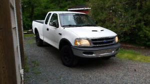 1997 Ford F-250 4x4 Pickup Truck