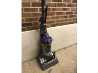 Dyson DC 33 Vacuum Cleaner
