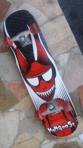 Mongoose Skateboard. Excellent Condition!