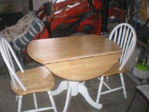 Table et 2 chaise