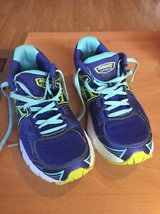 Womans Saucony runners