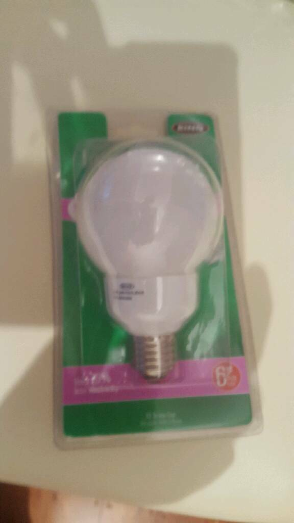 Assorted low energy bulbs with screw type fittings