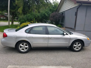 Excellent condition 2003 Ford Taurus