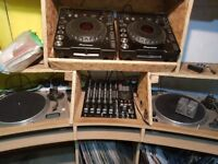 Cdjs 1000 with mixer and turntables