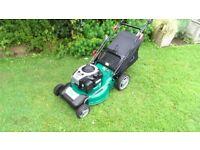 Qualcast 20 inch cut self drive Briggs & Stratton petrol lawnmower, mower like new, just serviced