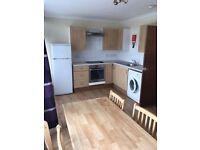 Single room in 4 bedroom flat in Streatham SW16, 5 minutes of walk to Norbury station