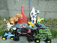 FREE TO COLLECT - SMALL LOT OF BROKEN TOYS