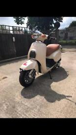 Daelim Besbi 125cc Scooter *REDUCED FROM £950*