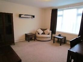 1 Bed Flat with Garden, Part Furnished. Close to Debden Tube.