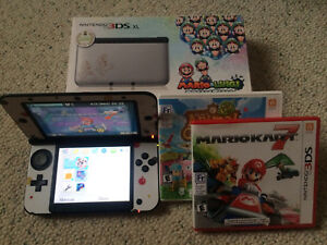 Nintendo 3DS XL Special Edition - With games