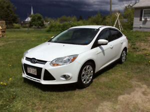 2012 Ford Focus SE Sedan **NEW PRICE - NEED GONE**
