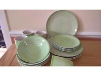 16-piece Dinner Set inc Mugs, Bowls and Plates with Green Swirl Design