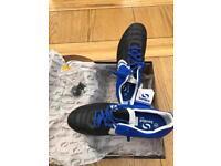 Men's Sondico SG Football Boots (size: UK 9.5)