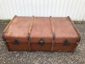 ANTIQUE TRUNK IN USED CONDITION