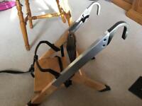 Minui HandySitt Booster Seat: Chair-Mounted Highchair