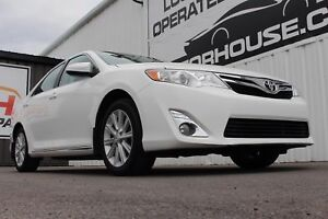 2012 Toyota Camry XLE SUNROOF! HEATED SEATS! NAVIGATION!